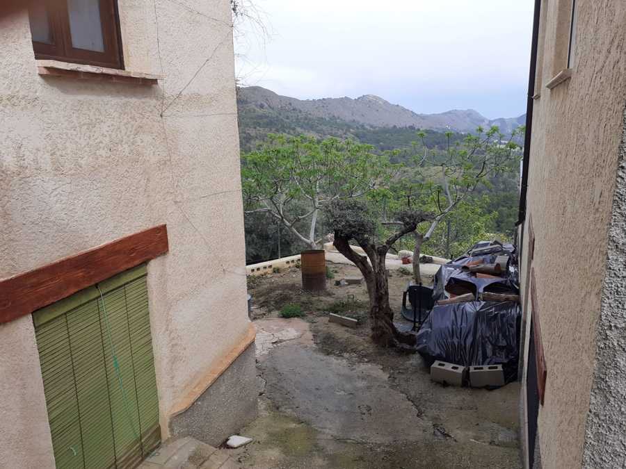 Elche de la Sierra Albacete Property 32000 €